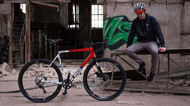 Casco MTB personalizzato helmade sardabike mountain bike