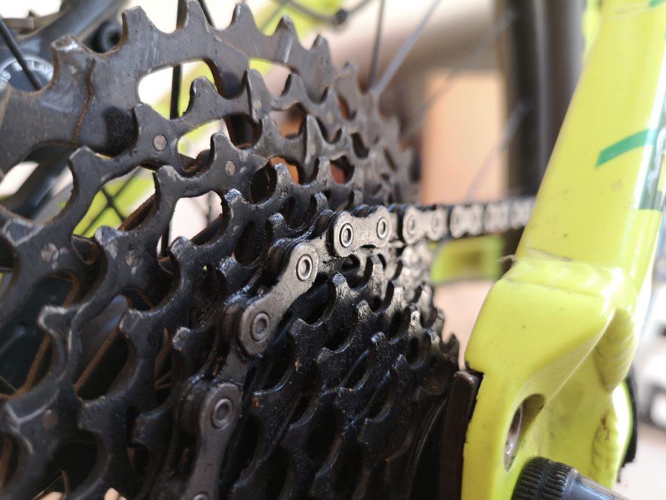 come si cambia la catena della bici mtb