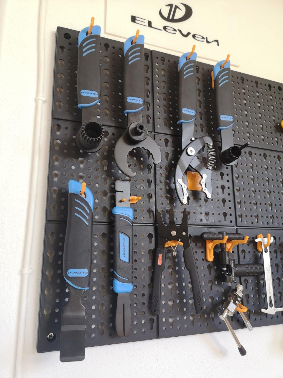 attrezzi ciclo mtb eleven kit attrezzi pannello modulare
