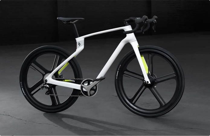 superstrata bike bici ultra leggera in carbonio muscolare e elettrica la migliore